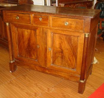 Stile mobili antichi riconoscere comprare e vendere for Stili mobili antichi