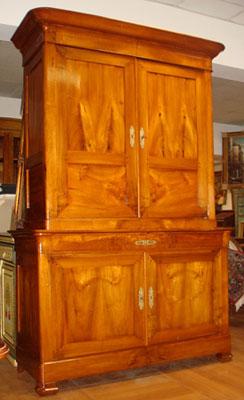 Stile mobili antichi riconoscere comprare e vendere for Mobili antichi francesi