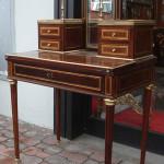 Stile mobili antichi riconoscere comprare e vendere for Compro mobili milano